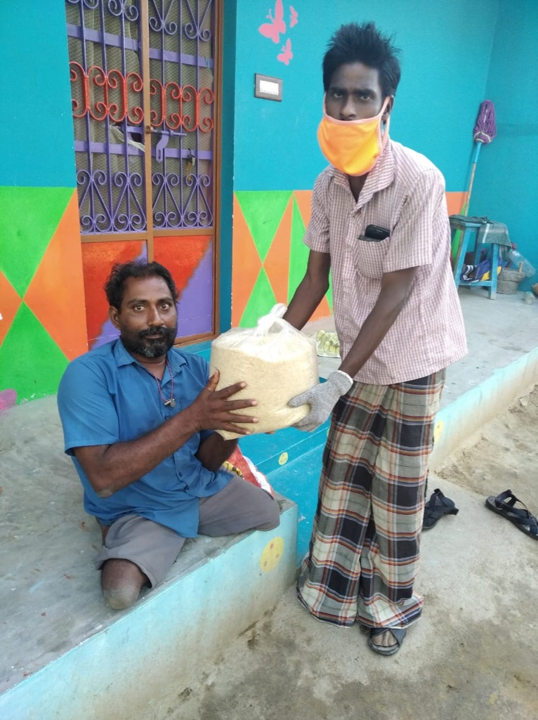 How one man with polio is saving lives