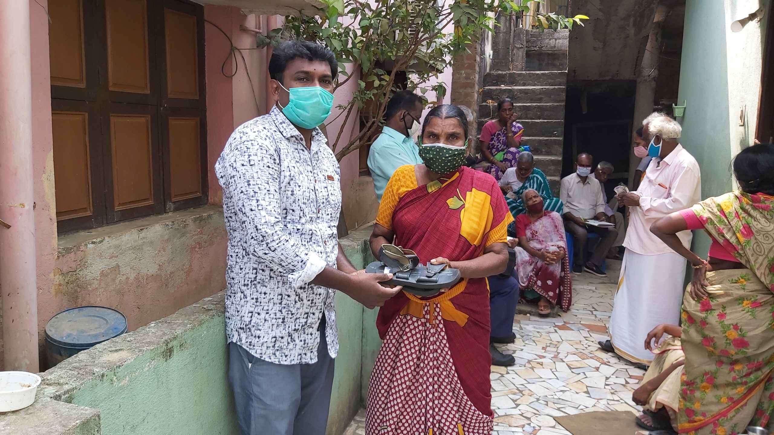 Praying through leprosy, one day at a time – Pushparani's story